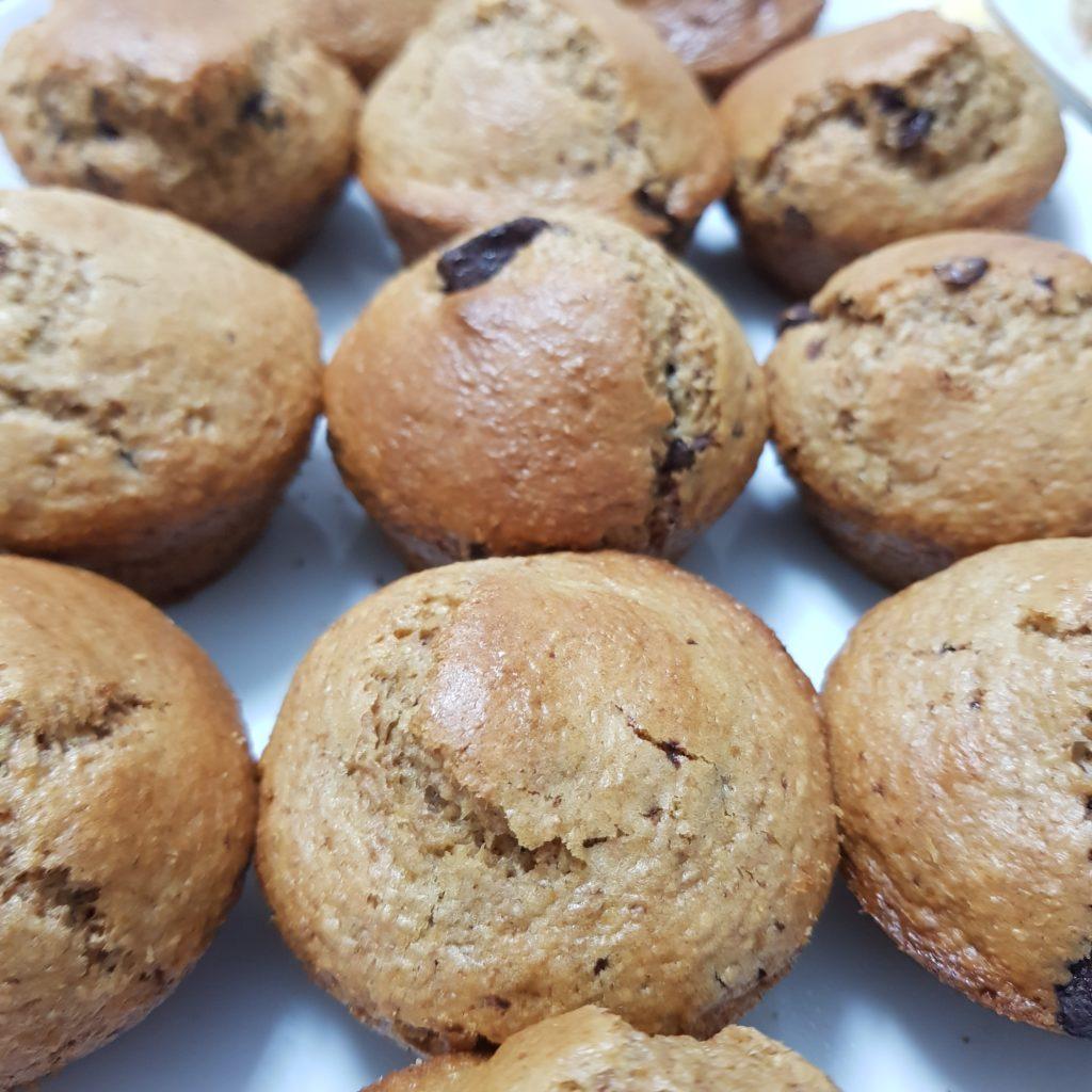 Muffin integrale con gocce di cioccolato fondente